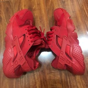 Nike youth size 4Y Huarache Running Shoes Red
